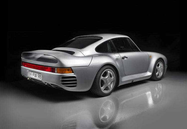back of Pre-Prototype Porsche 959