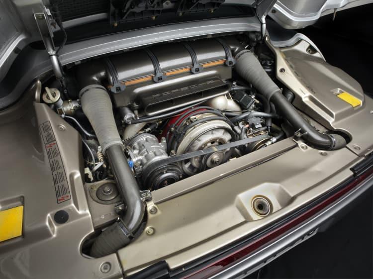 engine of Pre-Prototype Porsche 959