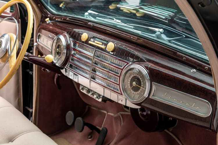 dashboard of 1942 Lincoln Zephyr Limousine