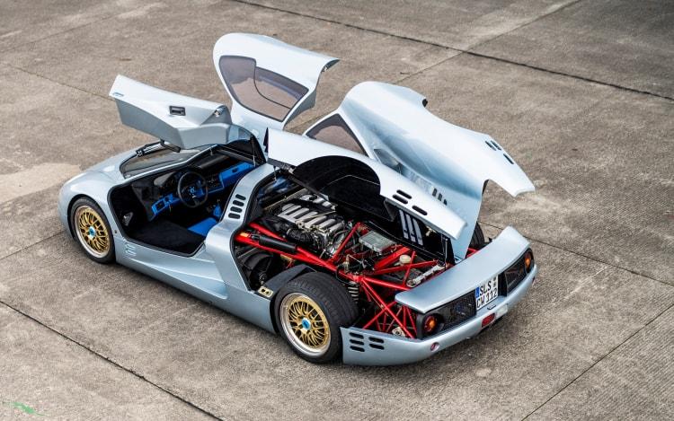 Gullwings of 1993 Isdera Commendatore 112i