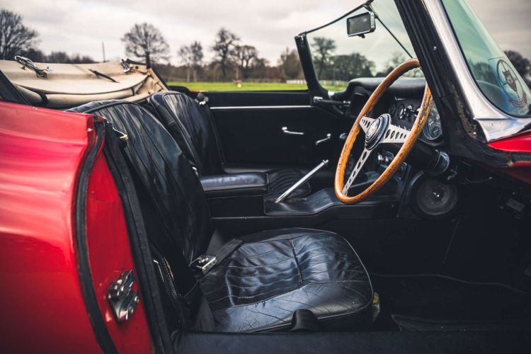 interior of 1965 Jaguar E-Type Roadster 4.2 Series 1