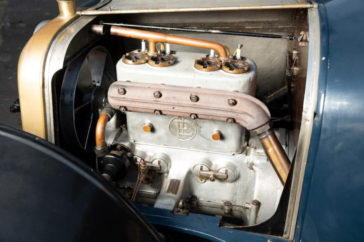engine of 1913 Panhard et Levassor 2.2-litre 12hp X19