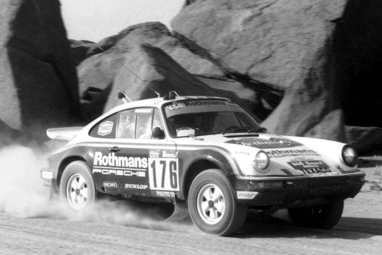 Porsche 953 in desert