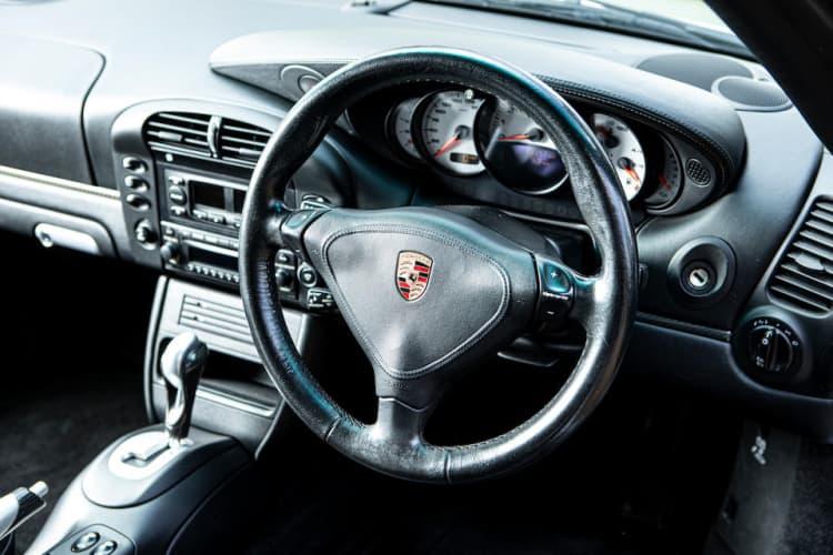 steering wheel of Porsche 996