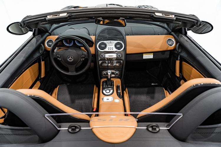 interior of 2009 Mercedes-Benz SLR McLaren Roadster