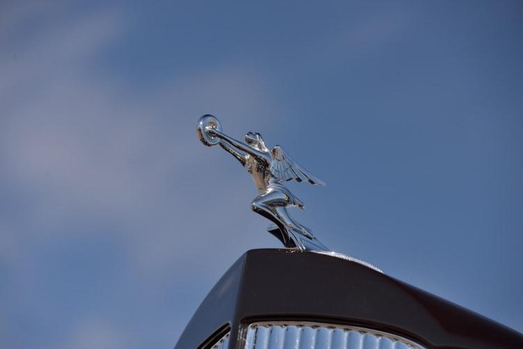 \Packard 1108 Twelve Dietrich emblem