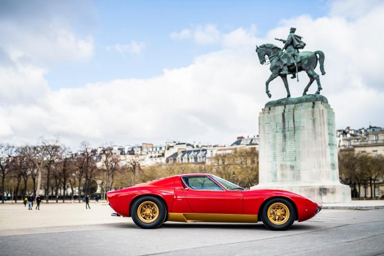 Lamborghini Miura SV side profile